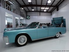 1961 LINCOLN CONTINENTAL CONVERTIBLE JUST IN FROM SOUTHERN CALIFORNIA! 1 OF ONLY 2,857 BUILT! AMAZING CONDITION! SHOWING ONLY 18,907 ORIGINAL MILES! RARE AND DESIRED FACTORY AIR CONDITIONING! DRIVES BEAUTIFULLY! TRULY ONE OF THE NICEST EXAMPLES...