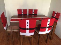 APRENDE HACER FUNDAS PARA SILLAS NAVIDEÑAS PASO A PASO! Ideas Para, Office Desk, Table, Furniture, Home Decor, Christmas, Christmas Table Cloth, Tablecloths, Chairs