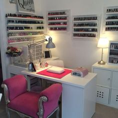16 Ideas pedicure spa salon manicure station for 2019 Home Beauty Salon, Home Nail Salon, Beauty Salon Decor, Beauty Room, Salon At Home, Nail Salon Design, Salon Interior Design, Nail Desk, Nail Room