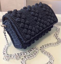 Clutch. Bolso. Handbag. Shared by Where YoUth Rise
