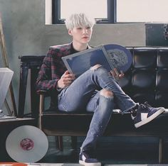 Find images and videos about kpop, bts and suga on We Heart It - the app to get lost in what you love. Jimin Jungkook, Min Yoongi Bts, Min Suga, Bts Bangtan Boy, Daegu, Agust D, Yoonmin, Foto Bts, Btob