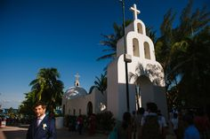 5th Ave Chapel in Playa del Carmen  http://citlalliricoblog.com/riviera-maya-wedding-photographer-ceci-pablo/