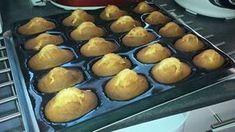 Des madeleines en 15 minutes chrono .... Votre panier • 50 g de lait • 200 g de sucre • 3 œufs • 250 g de farine • 1 sachet de levure chimique • 1 cuillère à soupe de sucre vanillé thermomix • 125 g de beurre mou Préparation - Préchauffez votre four T...