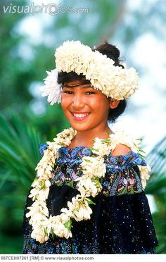 http://www.visualphotos.com/photo/1x9723348/polynesian_girl_with_flower_lei_headdress_and_beautiful_smile_on_cook_islands_in_south_pacific_0...