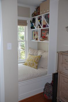 Love the idea and organization of this little nook space! And I've always wanted to have a reading nook by the window =) Cozy Nook, Cozy Corner, Bedroom Reading Nooks, Bed Nook, Bedroom Nook, Bedroom Ideas, Master Bedroom, Cozy Place, Home And Deco