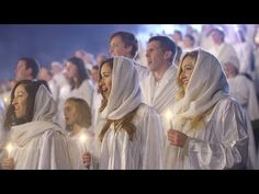 Over A Thousand People Came Together To Break a Record And Bring This Moving Christmas Hymn To Life - YouTube