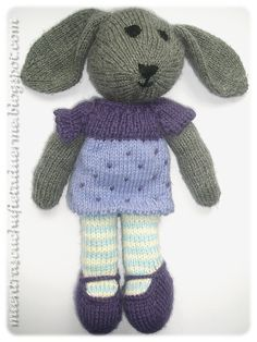 TUTORIAL DEL CONEJO TEJIDO A DOS AGUJAS (PARTE I) | Mientras Cuchufleta Duerme Knitted Dolls, Crochet Dolls, Crochet Bunny, Knit Crochet, Stitch Patterns, Knitting Patterns, Little Cotton Rabbits, Knit Basket, Tapestry Crochet