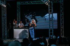 Wedding Day 2015- A F3Entretenimento fechou as apresentações de DJ e trouxe ao palco a apresentação que arrepiou, uma percussão que andou a feria animandoos que estavam sentados e, com um instrumento iluminado, tocava os pontos baixos da música queseguia aos pontos altos pontuadas com fogos de artifícios indoor, da empresa Palácios dos Fogos.