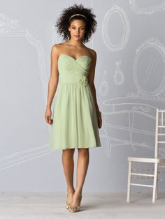 A-line Sweetheart Chiffon Knee-length Flower(s) Bridesmaid Dresses at Millybridal.com