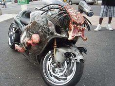 Un moto gothique personnalisé
