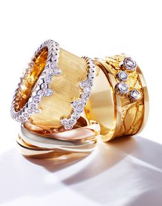 #Stilllife #product #photographer #creative #editorial #advertising #fashion#style #jewellery #jewel #gold #diamond #ring #macro #sunlight #shadow #bling #ping #shimmer #sparkle #
