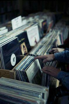 Buscando mi album favorito .....