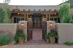 adobe house plans with courtyard Style Hacienda, Hacienda Homes, Spanish Courtyard, Courtyard Entry, Spanish Style Homes, Spanish House, Spanish Colonial, Spanish Revival, Adobe Haus