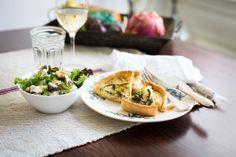 Ham-prei quiche met geitenkaas-walnoot-peer salade