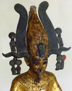 The Sage's Cupboard: The Egyptian Look Ancient Egypt History, Ancient Egyptian Art, Ancient Aliens, Historical Artifacts, Ancient Artifacts, Egyptian Kings And Queens, Kemet Egypt, Egyptian Mythology, Egypt Art