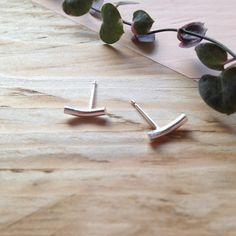 Cute curved stud earrings in recycled sterling silver Dainty Earrings, Stud Earrings, Handmade Silver, Handmade Jewelry, Pillow Box, Minimalist Earrings, Sea Glass Jewelry, Studs, Recycling