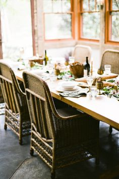 I have this dream of hosting one of those perfectly laid back Farm to Table celebrations that I always drool over on my favorite blogs. Probably because I am the least laid back person I know and this type of get together fits my alter ego to perfection. Just some friends... drinking some wine, eating…