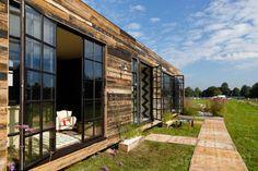 Casas modulares de diferentes tamaños que son una solución sustentable para el tema de vivienda.