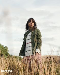 Nodding to our military roots as suppliers to the British Army, the Dorset overshirt is the perfect layer to throw on over shirts or long-sleeves on chilly days for an effortlessly stylish look.