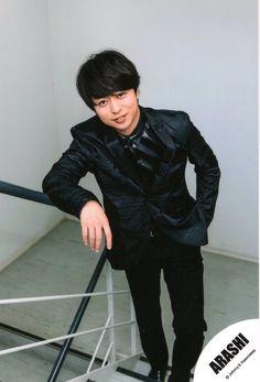 櫻井翔 Barefoot, Singer, Cute, Collection, Idol, Photos, Pictures, Kawaii, Photographs