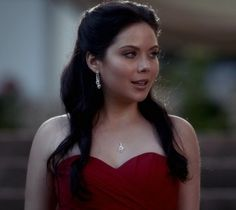 Grace Phipps as Chenoa, the tribe's youngest rebelious she Wolf