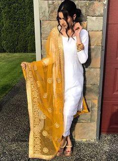 Wedding dresses indian salwar kameez 69 ideas for 2019 Wedding dresses indian salwar kameez 69 ideaYou can find ind. Dress Indian Style, Indian Dresses, Dresses Dresses, Party Dresses, Indian Attire, Indian Wear, Indian Suits Punjabi, Yellow Punjabi Suit, White Salwar Suit