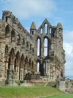 Windows, Whitby Abbey, Whitby Abbey, Tower Bridge, Windows And Doors, My World, Gates, Notre Dame, Building, Travel, Viajes