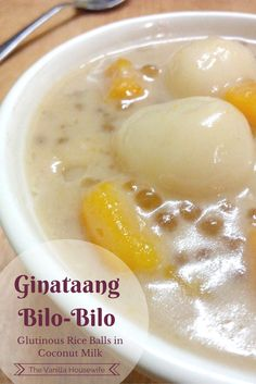 Ginataang Bilo Bilo is a popular Filipino dessert made with glutinous rice balls, tapioca pearls, plantains, jack fruit and coconut milk. Filipino Dishes, Filipino Desserts, Filipino Recipes, Asian Recipes, Filipino Food, Pinoy Recipe, Asian Desserts, Postres Filipinos, Gourmet