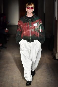 See the complete Gosha Rubchinskiy Spring 2018 Menswear collection.