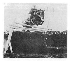 Francesco Baracca in una gara di elevazione su m. 1,90 – nel 1913