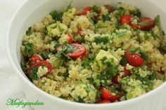 From my kitchen: Avocado Kinoa (Quinoa) Salad - Samantha Home Quinoa Tabbouleh, Quinoa Salad, Avocado Quinoa, Roasted Cherry Tomatoes, Quick Vegetarian Meals, Food And Drink, Yummy Food, Cooking, Ethnic Recipes