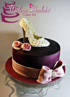 wedding mood by Milena Shalabi - http://cakesdecor.com/cakes/253882-wedding-mood