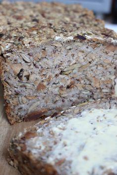 Dit recept voor adventure bread komt uit San Francisco. Het brood, zonder bloem of meel, is wel een machtig brood. Eet er dus niet teveel van.