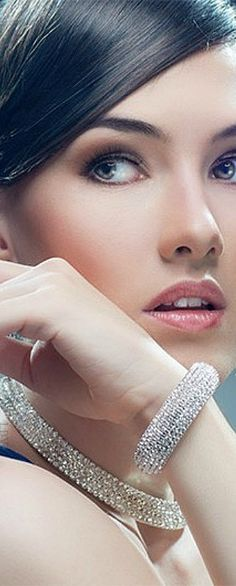 Miss Millionaires of Pennsylvania: Swarovski style   LBV ♥✤