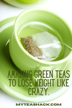 Green tea is one of the best fat removers and energy enhancers out there. Its many benefits have delighted since ancient times and today, it is one of the most popular drinks to be healthy and maintain your figure. Green Tea Drinks, Green Tea Diet, Best Green Tea, Green Teas, Drinking Green Tea Benefits, Matcha Green Tea Benefits, Drinking Tea, Cider Vinegar Weightloss, Chai Tea Recipe