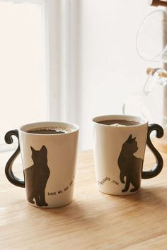 ♥ Cool Cat Accessories ♥ Cat Couple Mug - LAURA D. have you checked out their website? cute stuff for an amazing (not too rich) grad student :) Cat Couple, Couple Mugs, Cat Accessories, Home Decor Accessories, Tassen Design, Keramik Design, Pause Café, Cafetiere, Cat Cafe