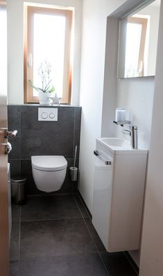 Restore guest toilet: 6 tips for a barrier-free WC - Fliesen Gäste-WC - Small Toilet Room, Guest Toilet, Downstairs Toilet, Small Bathroom, Toilet Tiles, Toilet Sink, Toilet Vanity, Bathroom Wall Art, Bathroom Humor