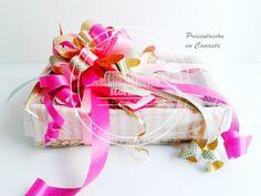 Presentación en Canasta Gift Wrapping, Gifts, Gourmet, Baskets, Gift Wrapping Paper, Presents, Gifs, Gift Packaging, Present Wrapping