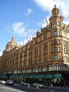 Harrods! Most AMAZING shopping ever!