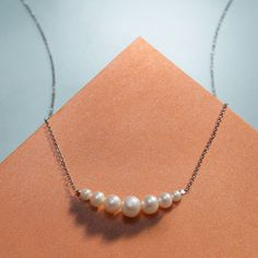 One of our most popular pearl pieces, this graduated pearl necklace is the perfect blend of casual and sophisticated. Item no. 864519