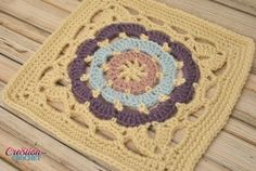 Cathedral Window 12 inch free crochet square