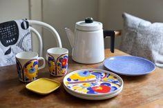 Vihreä talo & Marimekko Marimekko ss16 Marimekko, Koti, Danish Design, Ss16, Finland, Kitchen Dining, Santa, Kitchen Appliances, Pottery