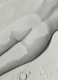 Fernand Fonssagrives - was a photographer known for his 'beauty photography' in the early and as the first husband of the model Lisa Fonssagr Cheap Dresses Online, Art Of Seduction, Nude Beach, French Photographers, Antique Paint, Beauty Photography, Boudoir Photography, Belle Photo, Creative Inspiration