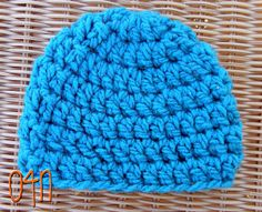 20 minute hat w/ video tutorial Oodles4Noodles: Basic Chunky Newborn Beanie ~ Free Pattern