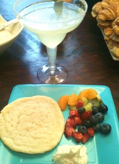 Amazing and classy baby shower treats...Mocktail Margarita and build-your-own mini fruit pizza from fresh fruit, icing and a yummy cookie!!  Thank you for being born, Gavin! (well, soon-to-be-born :)