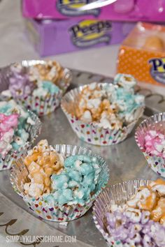 Peeps Popcorn... I can do this when I have leftover peeps...