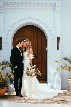 Five Tips For Planning The Perfect Wedding Day Budget Wedding, Wedding Pictures, Destination Wedding, Wedding Planning, Perfect Wedding, Dream Wedding, Wedding Day, Garden Wedding, Wedding Ceremony