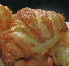 """Anya, ez isteni!..."", avagy Gabojsza konyhája: Rongyos kifli, azaz házi croissant Bread Dough Recipe, Crescent Rolls, Canapes, Croissant, Winter Food, Food To Make, Cabbage, Bakery, Good Food"