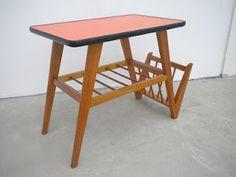 Mesa de centro com formica laranja