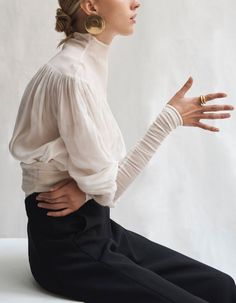 bienenkiste:Photographed by Sarah Blais for WSJ October 2018 Fancy, Looks Great, Fashion Photography, Photography Ideas, Normcore, Feminine, Street Style, Style Inspiration, Outfit